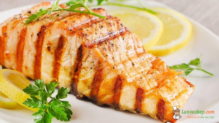 Lạ miệng với món cá hồi nướng chanh