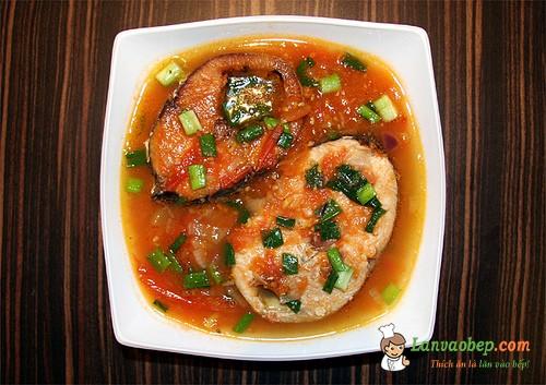 Cá thu sốt cà chua hấp dẫn cho bữa cơm chiều