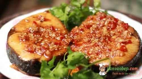 Hướng dẫn nấu món cá thu sốt tỏi ớt hấp dẫn