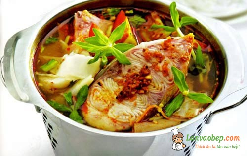 Canh cá trê nấu măng chua cho ngày nắng