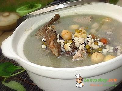 Vịt hầm hạt sen - Các món ngon từ vịt
