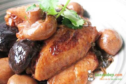 Cuối tuần vào bếp với món cánh gà sốt nấm nóng hổi