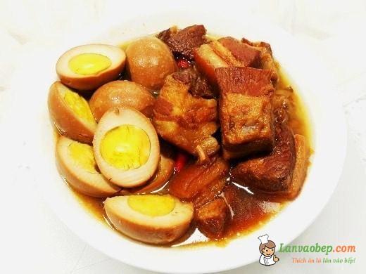 Trứng vịt kho thịt