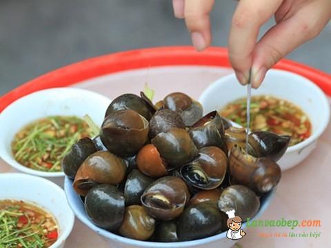 Nước chấm mang hương vị đặc trưng quán ốc cay Trần Huy Liệu