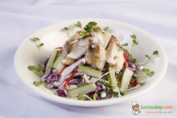 Salad dưa leo thịt gà mát lòng ngày nắng