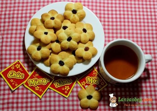 Cách làm bánh quy bơ hình hoa mai đón Tết