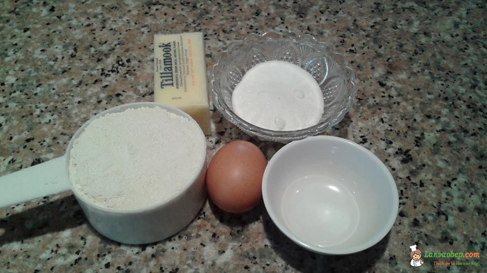 Nguyên liệu làm bánh quy bơ hình hoa mai