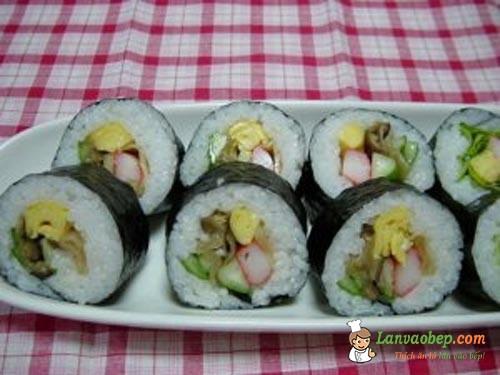 Cơm cuộn sushi chay, món ngon mang đi làm