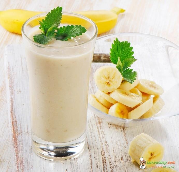 Cách làm sinh tố chuối bổ dưỡng thơm ngon cho bé yêu