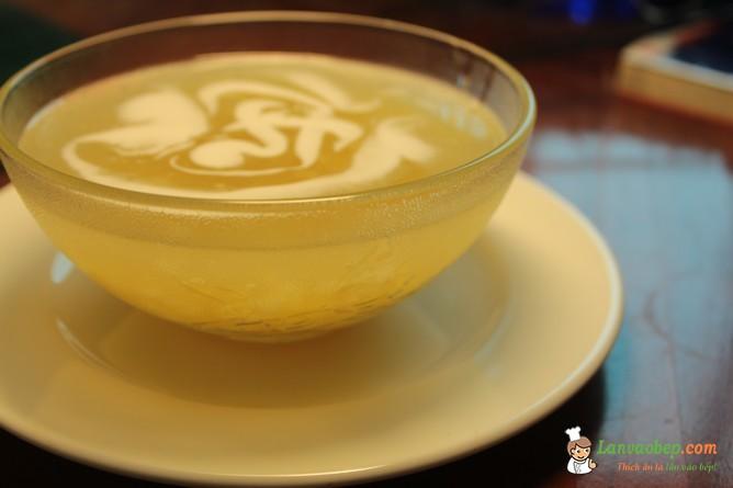 Thưởng thức bát chè ngô nước cốt dừa thơm béo ngậy