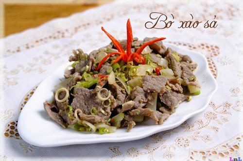 Độc lạ mà ngon với món thịt bò kho sả ớt