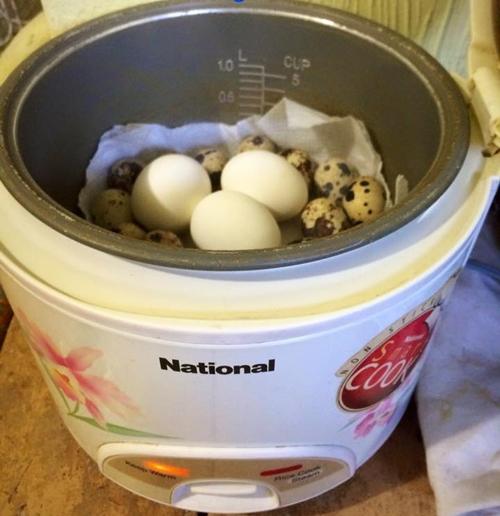 Độc đáo cách luộc trứng ngon mà không cần nước