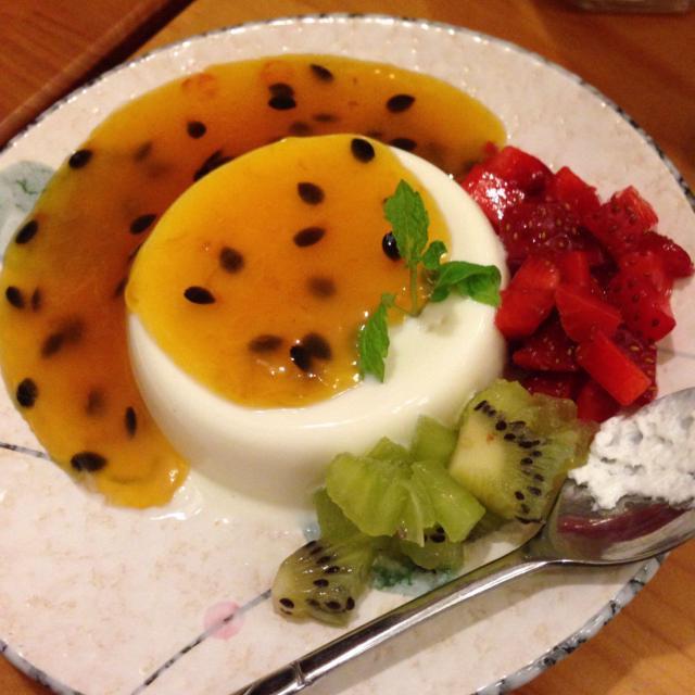 Thạch dừa sốt chanh leo chua chua ngọt ngọt