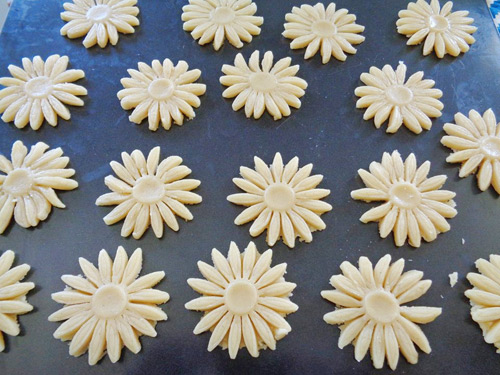 Bánh hoa cúc thơm ngon